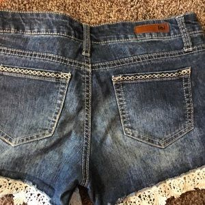 💥LEI jean shorts with lace Juniors Sz 3